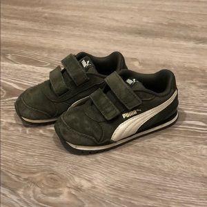 Puma Velcro sneakers